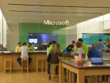 I went to the Microsoft Store just to play with the Lumia 950XL, but instead I bought one OnMSFT.com October 13, 2015