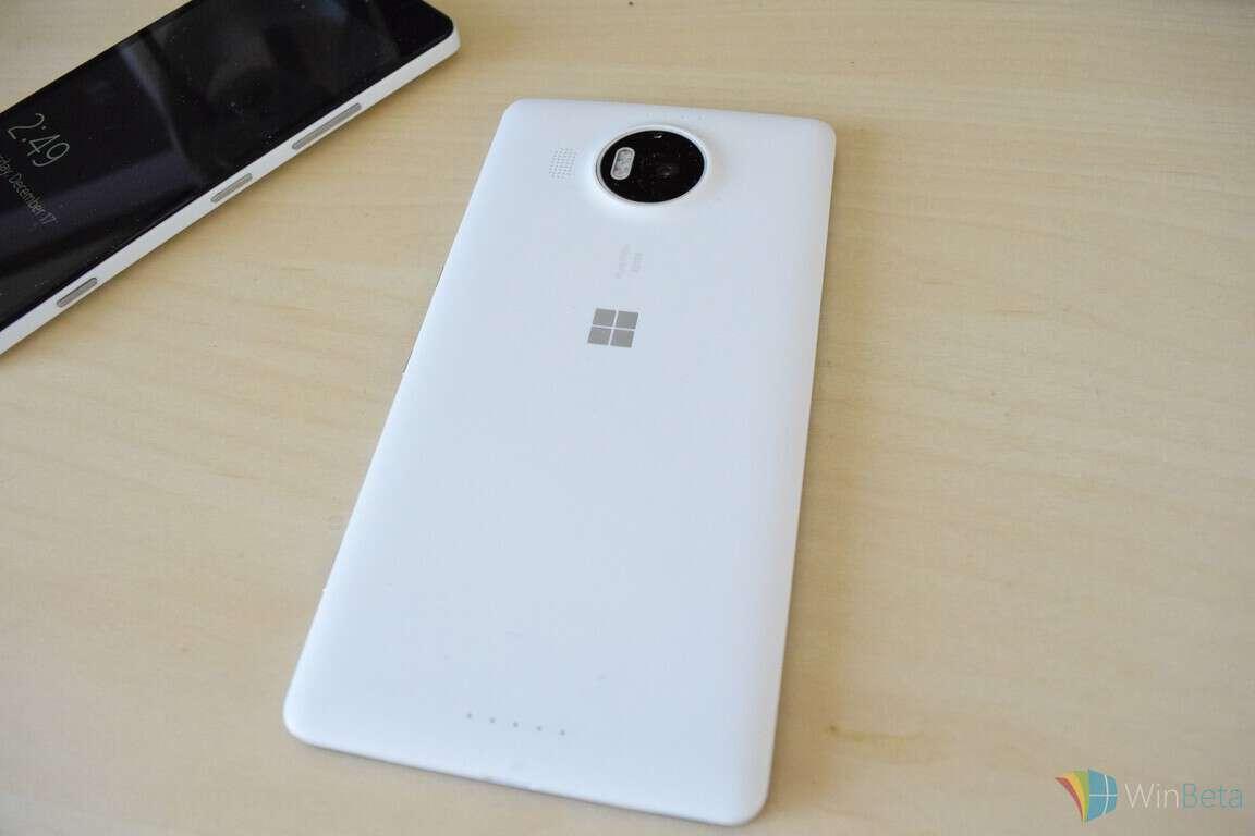 Lumia 950 XL Review XL back