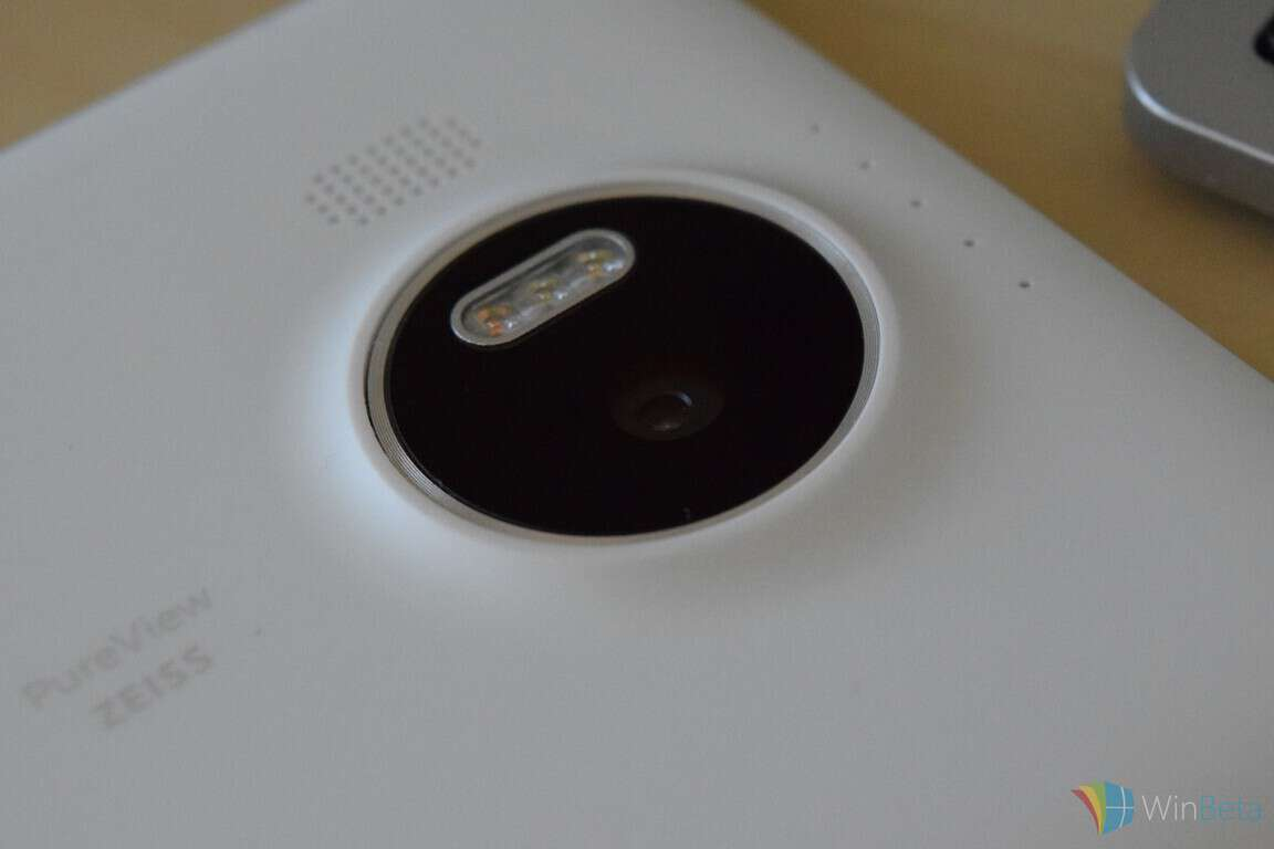 Lumia 950 XL Review XL camera housing