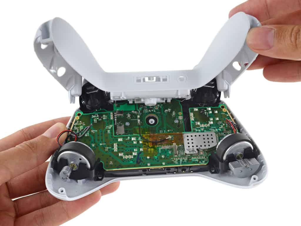 iFixit tears down the Xbox One S OnMSFT.com August 3, 2016