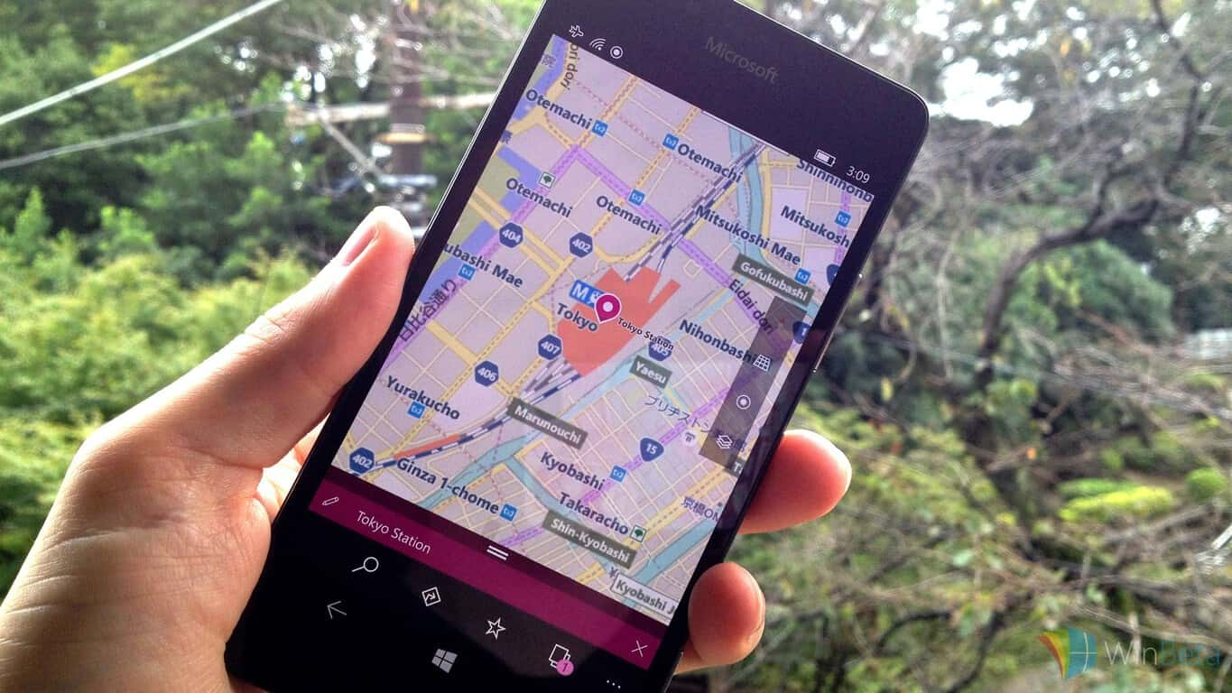 Lumia 950 with Windows 10 Mobile in Tokyo, Japan