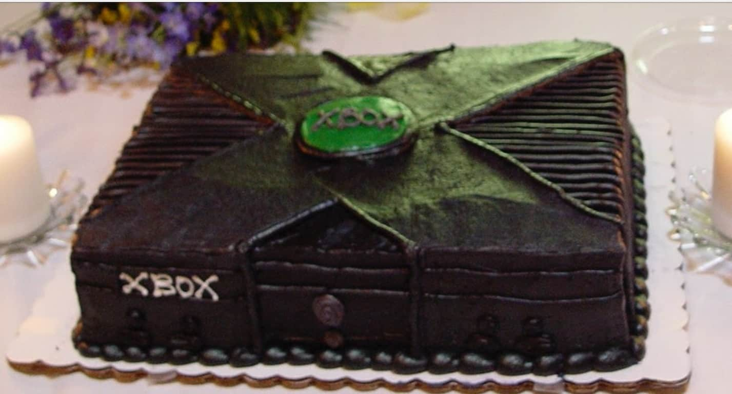 This mom made her gamer son an xbox one birthday cake - onmsft. Com - may 26, 2017
