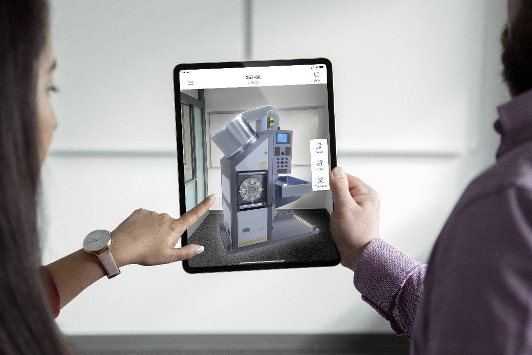 Microsoft to launch dynamics 365 mixed reality apps for android, ios with new ai push - onmsft. Com - february 21, 2019