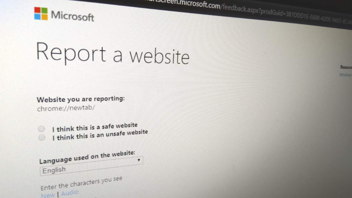 Photo of reporting an unsafe website in Edge Insider