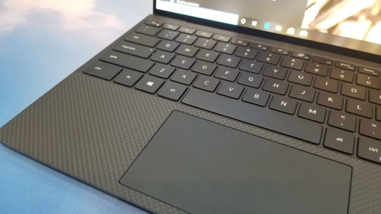 Dell xps 13 hands on: almost all screen, and almost no bezel - onmsft. Com - january 2, 2020