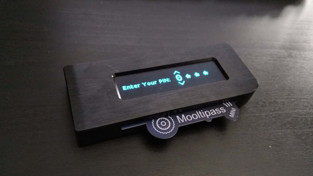 Mooltipass Mini BLE