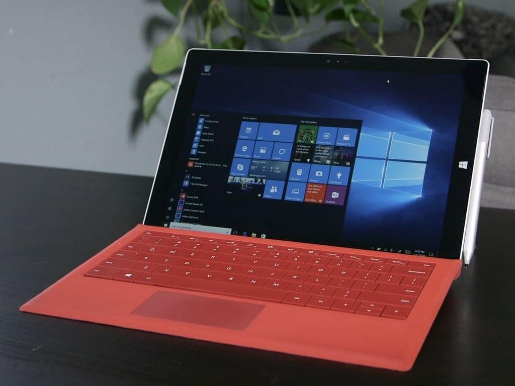 Windows 10 Desktop On A Surface Pro