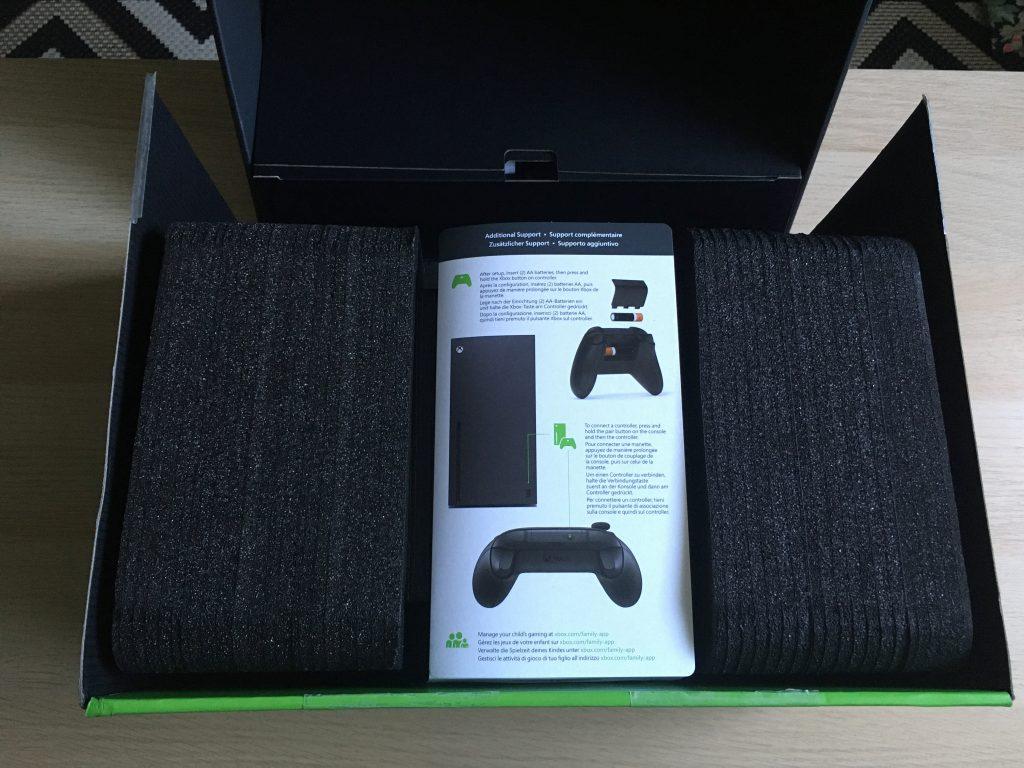 Xbox Series X Retail Box Opened 1