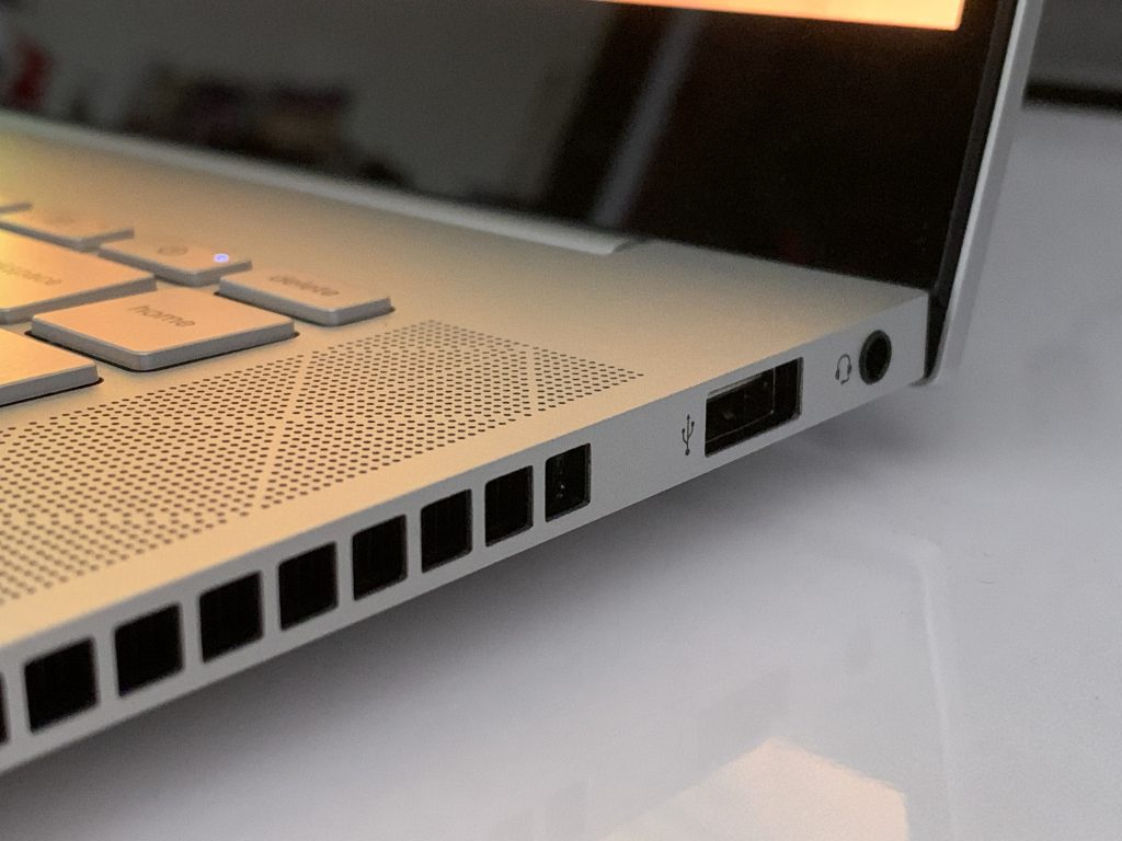 Hp Envy 15 Ports Right