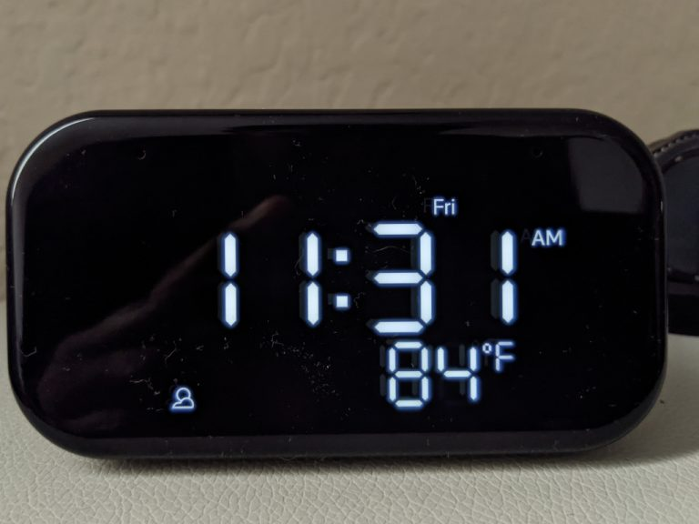 Lenovo Clock Essential Front Cropped