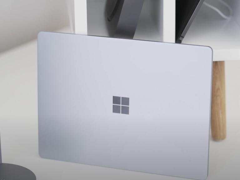 Surface Laptop Go Logo Cropped