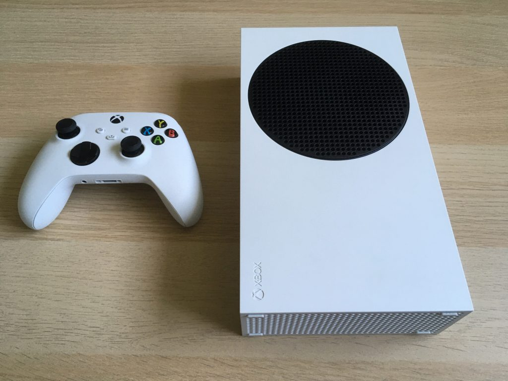 Xbox Series S In Horizontal Position 3