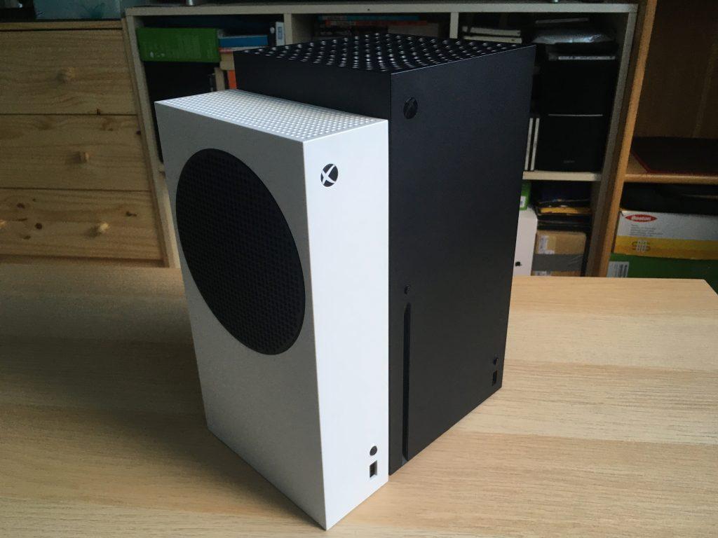 Xbox series s next to xbox series x