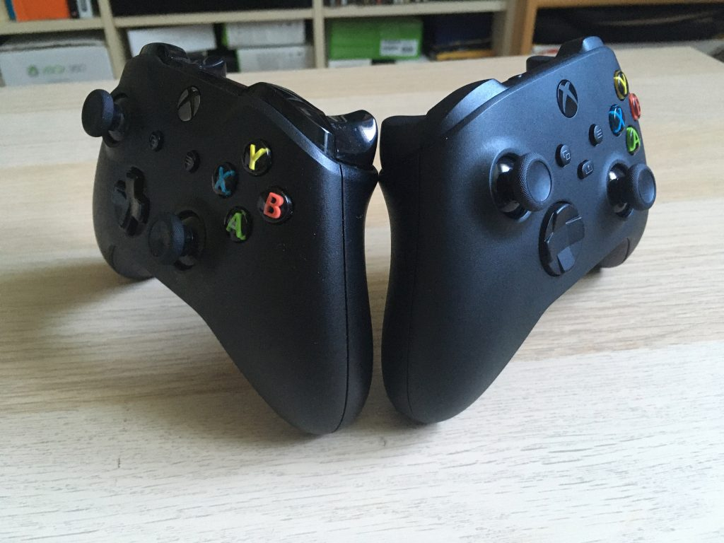 Xbox Series X Controller And Xbox One Controller 3