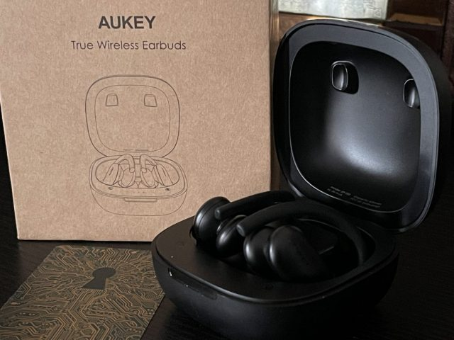 Aukey Headphones Box 2