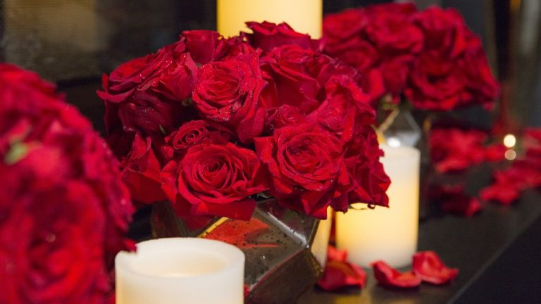 Valentines day teams backgrounds rose candles 1610475926