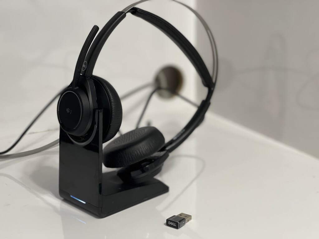 Dell premier wireless anc headset wl7022: great to make teams calls sound better - onmsft. Com - july 12, 2021